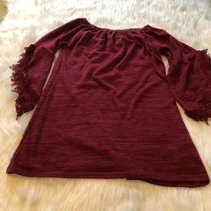 Women's burgundy tunic. Long sleeve with lace S-M